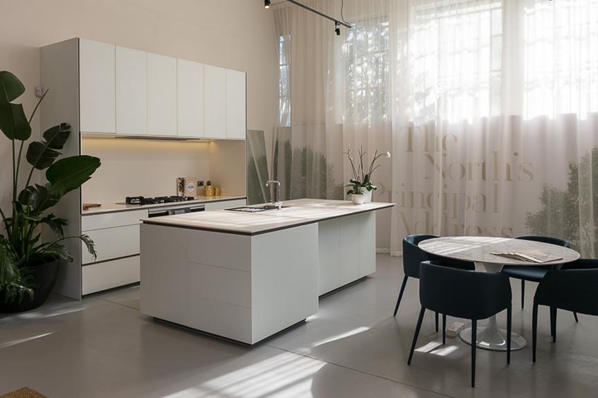 Mollard-interiors-sales-suites-7.jpg
