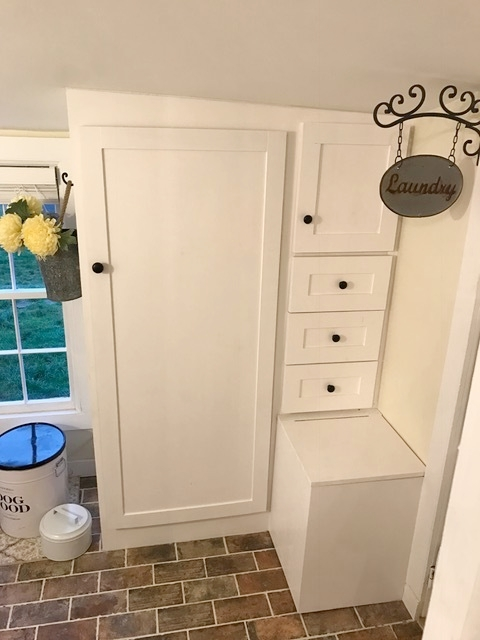 Closet, drawers and bench seat