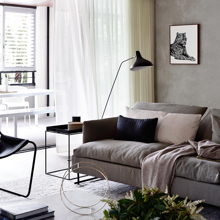 Neometro MA Architects (Architects) & CARR Design Group (Interiors) Photography:Derek Swalwell