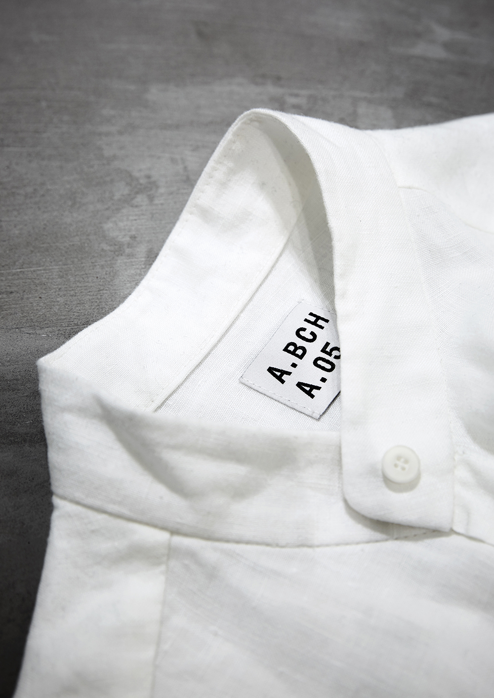 Detail of the label by   @abch.world