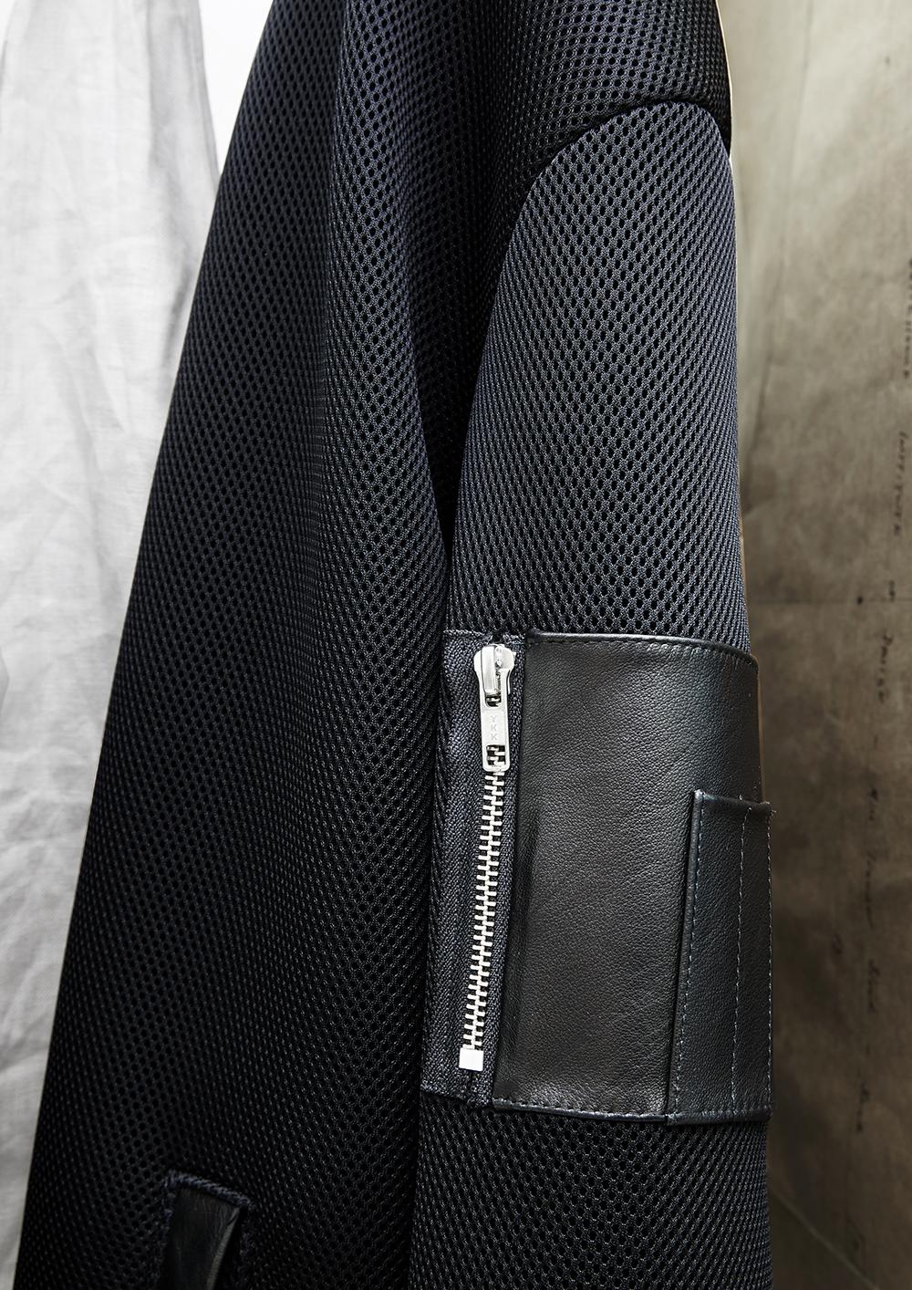 Zip detail by   @mndatory