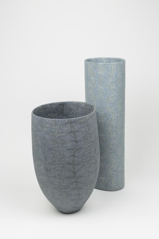 David Pottinger, Porcelain Nerikomi Vessel (left), Token (right), 2018, 27 x 17 cm (left), 36.5 x 11 cm (right). Image courtesy the artist.