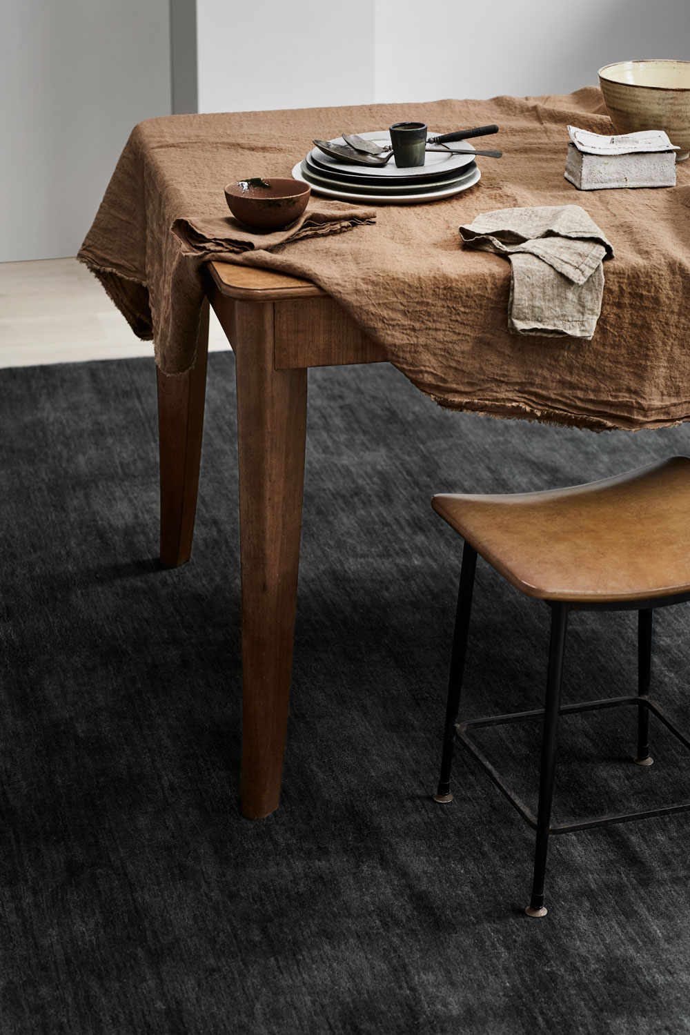 Armadillo & Co – Agra Rug in  Anthracite