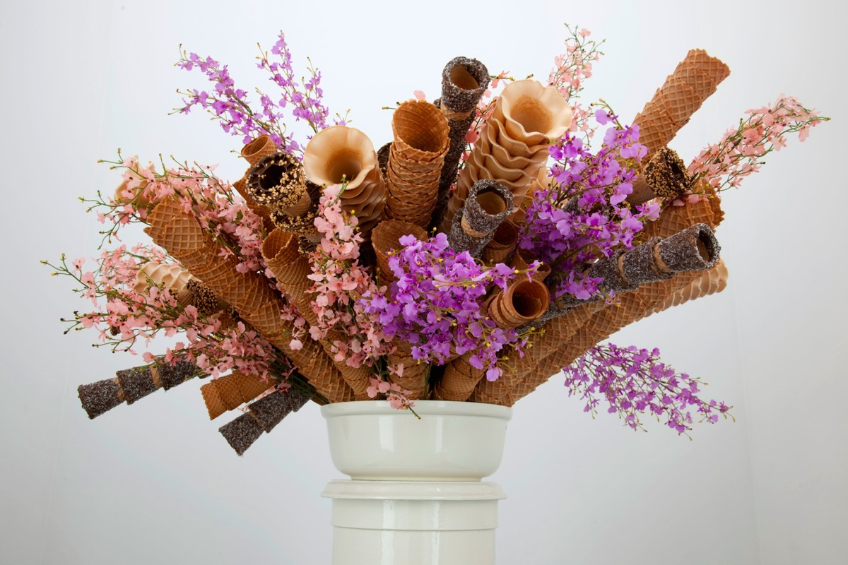 BOW BOUQUET , 2012, from  SAD EIS . Courtesy of Meesen De Clercq