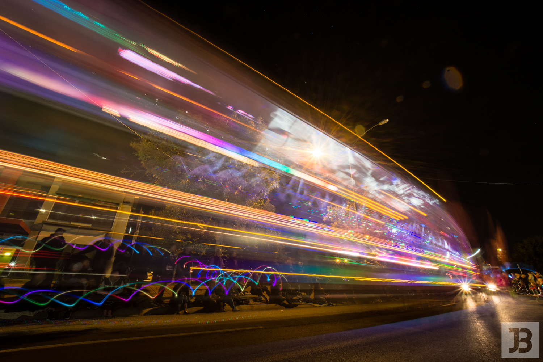bendigo-easter-fair-night-parade-s-3.jpg