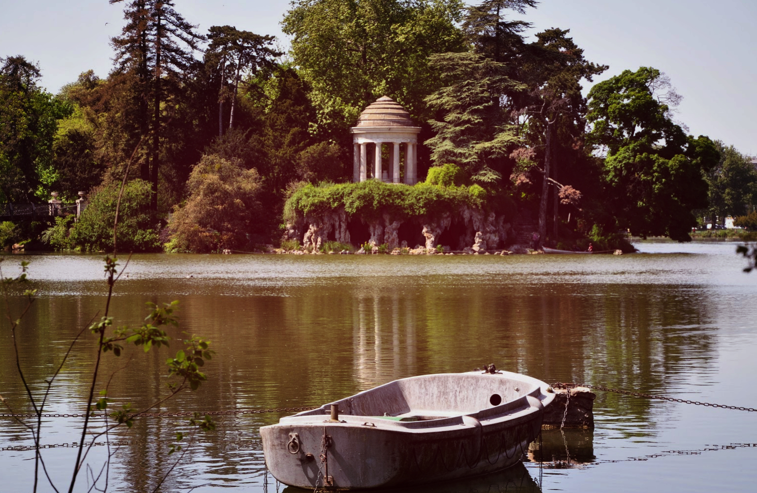 templeboat1_Fotor.jpg