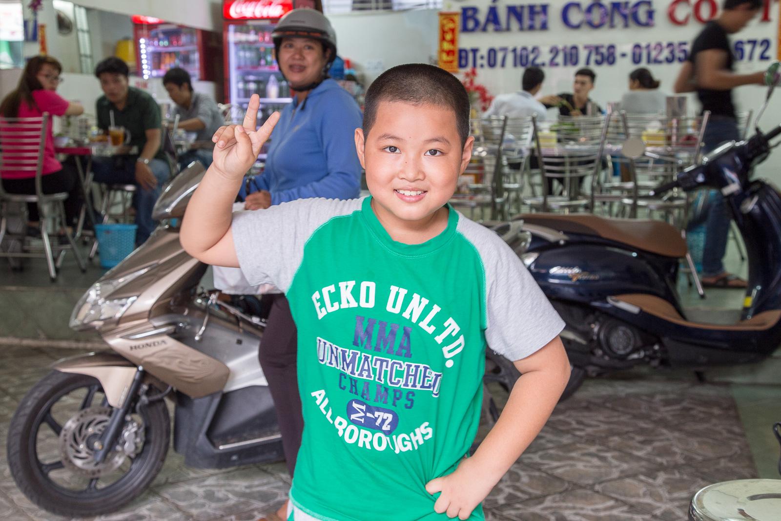 Photo bombed at Banh Cong Co Ut.