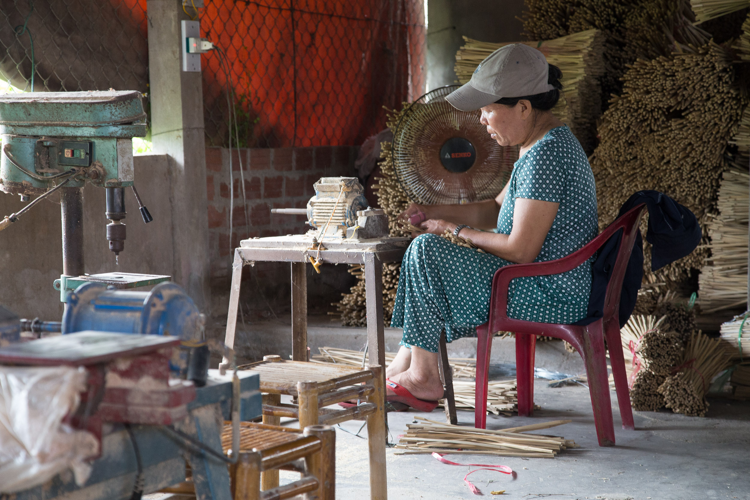making lanterns hoian