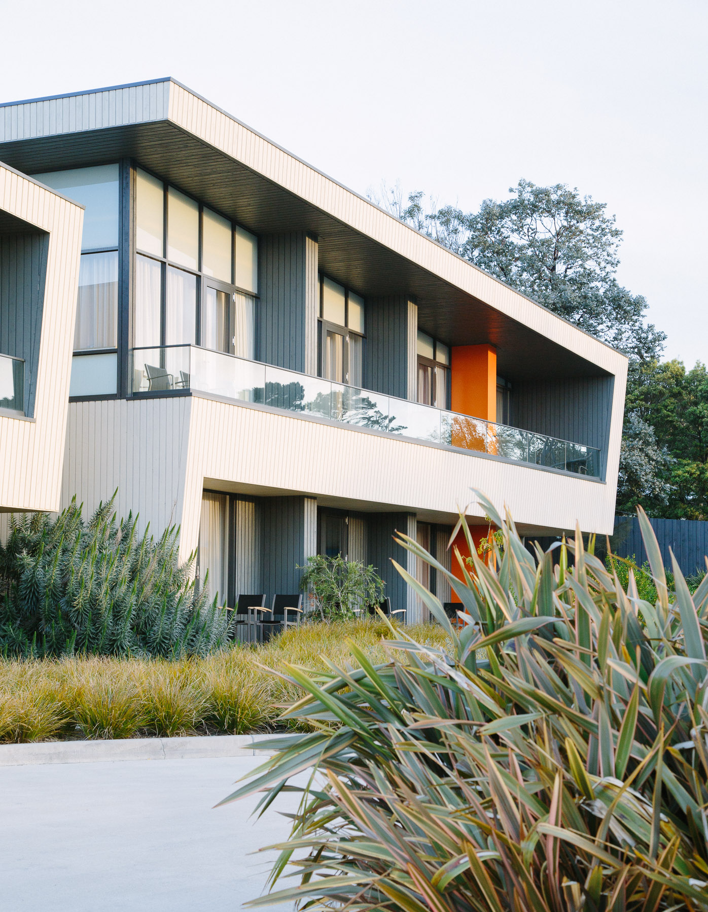 The Flinders Hotel is centrally located and great place to base yourself while exploring the Peninsula.