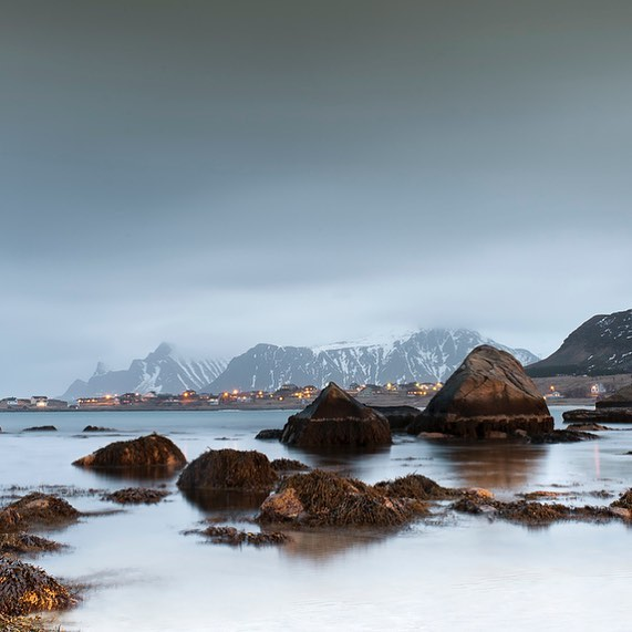 lofoten in march. quite and peaceful. a wonderful spot for photography and hiking in a pittoresque winterlandscape. this shot was choosen by national geografic as shot of the month. —- #lofoten #shotoftheday #winterwonderland #nikon #norway #nationalgeographic #beautifulnorway #longexposure #landscapephotography #photography #travelphotography #naturephotography #travel #light #instatravel #studioeibenberger #magic #beautifulplaces