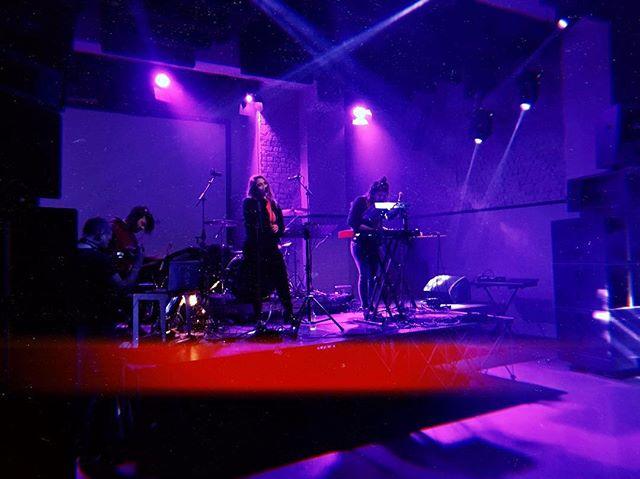 Project UnCut @romantsoathens . 📸 @io.221 . . . . . #projectuncut #annastephanou #katerinaliaki #kaleidoscope #electropop #electronicmusic #love #music #live #concert #romantso #athens #greece  #newalbum