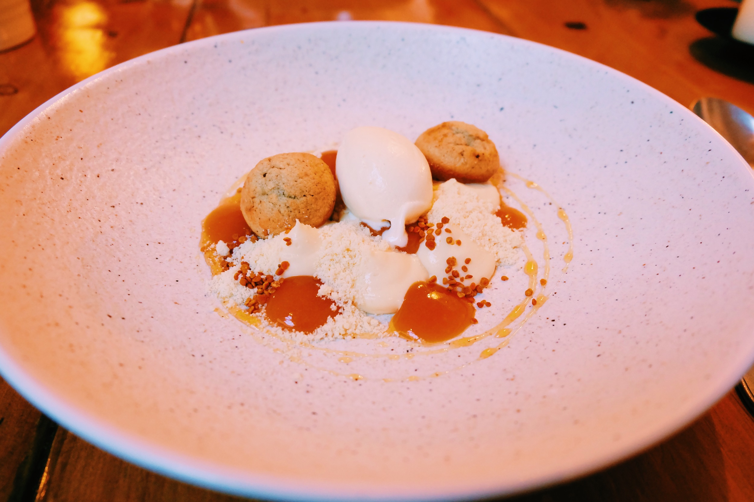 Dessert : Honey mousse with buttermilk, apricot and pollen (INCREDIBLE!)