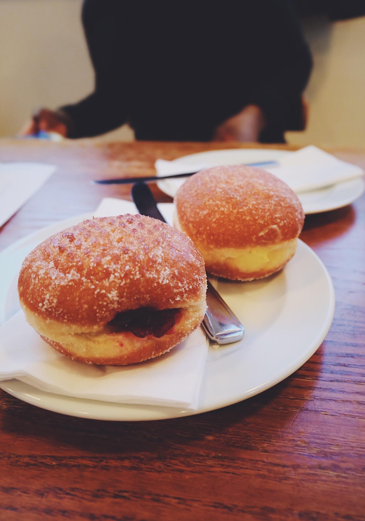 Doughnuts (lemon curd and raspberry jam)