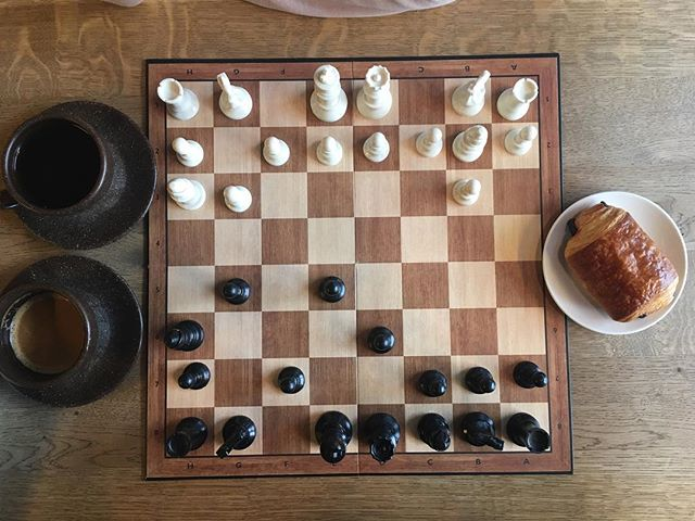 Rainy day game of chess🥐☕️ We have lots of different games you can play while enjoying your coffee ☕️