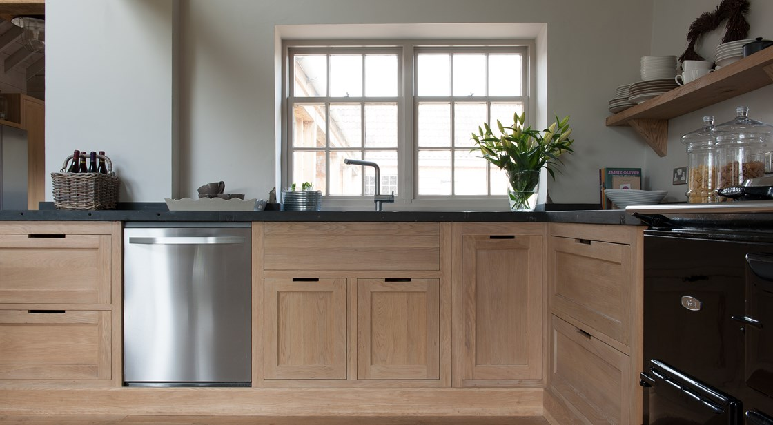 Neptune Henley Range – Handmade oak kitchen units with dishwasher and pan drawers