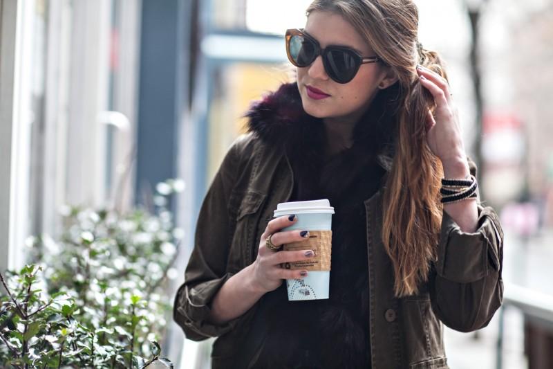 Coffee_Woman_Drink01.jpg