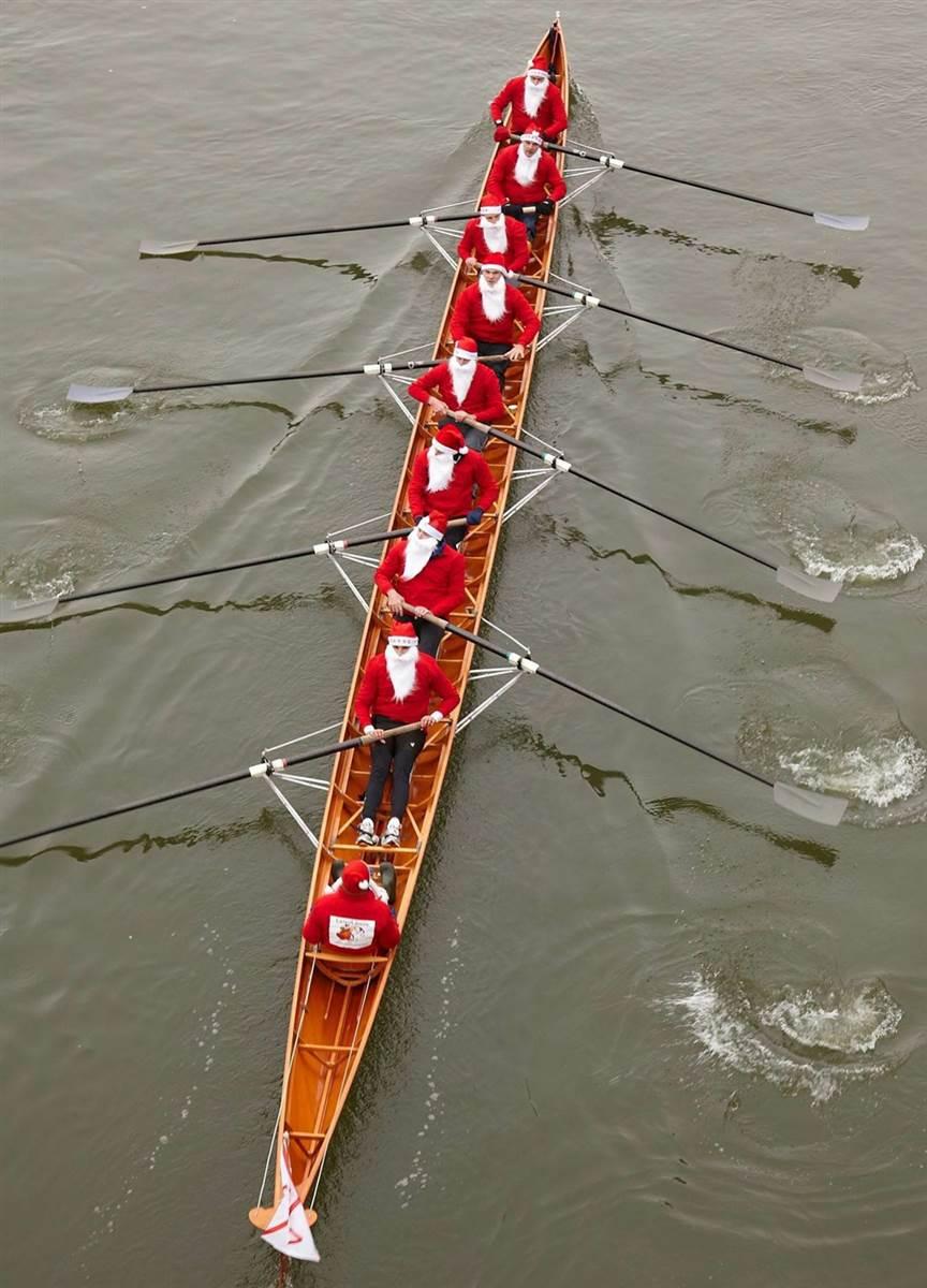 rowing santas.jpg