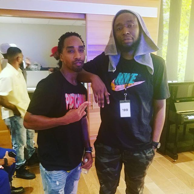 Major shout out to the big bro @9thwonder and his whole Jamla Squad! This brother taught me a lot in the studio, introduced me to great hip hop legends and has helped open up doors for me in this industry. Who wants to hear a Senica Da Misfit and 9th Wonder track? #Poeticruckus #jamla #9thwonder #longtimeoverdue  #rapsody #itsgoingdown #timelessmusic #jamlaisthesquad #khrysis #thesoulcouncil #gillahouse #redmangilla #rocnation #makingmoves #spiritfestival #boombap #realhiphopmusic #beatmaker