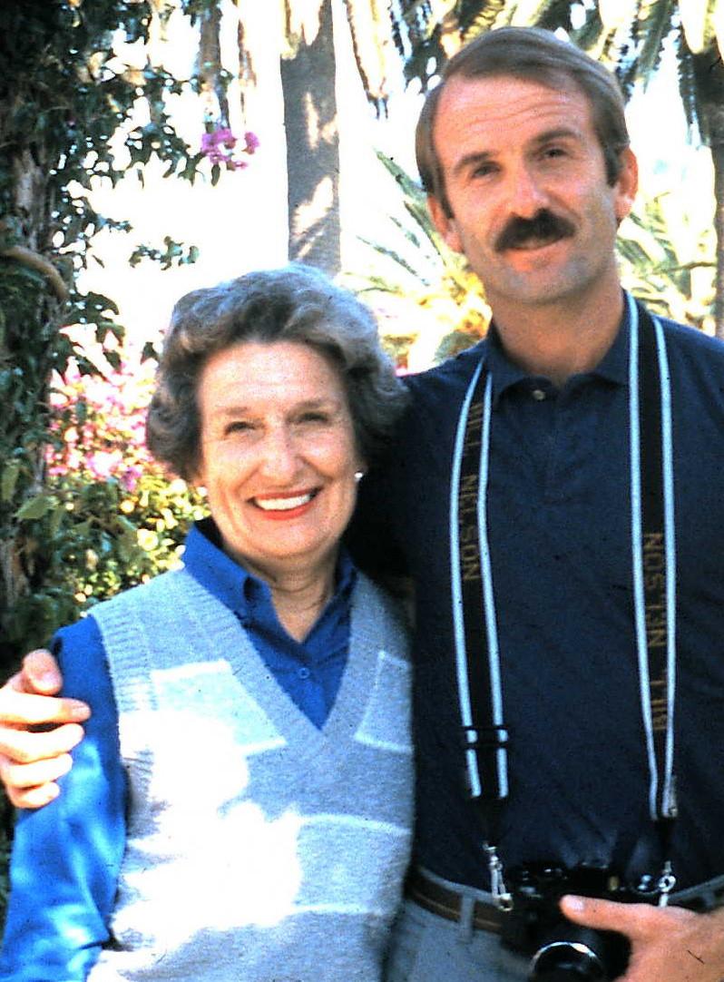 1985 bill and mom.jpg