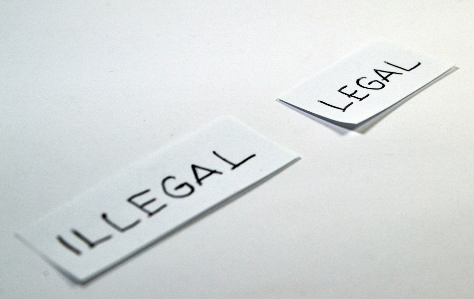 legal-1143115_1920.jpg
