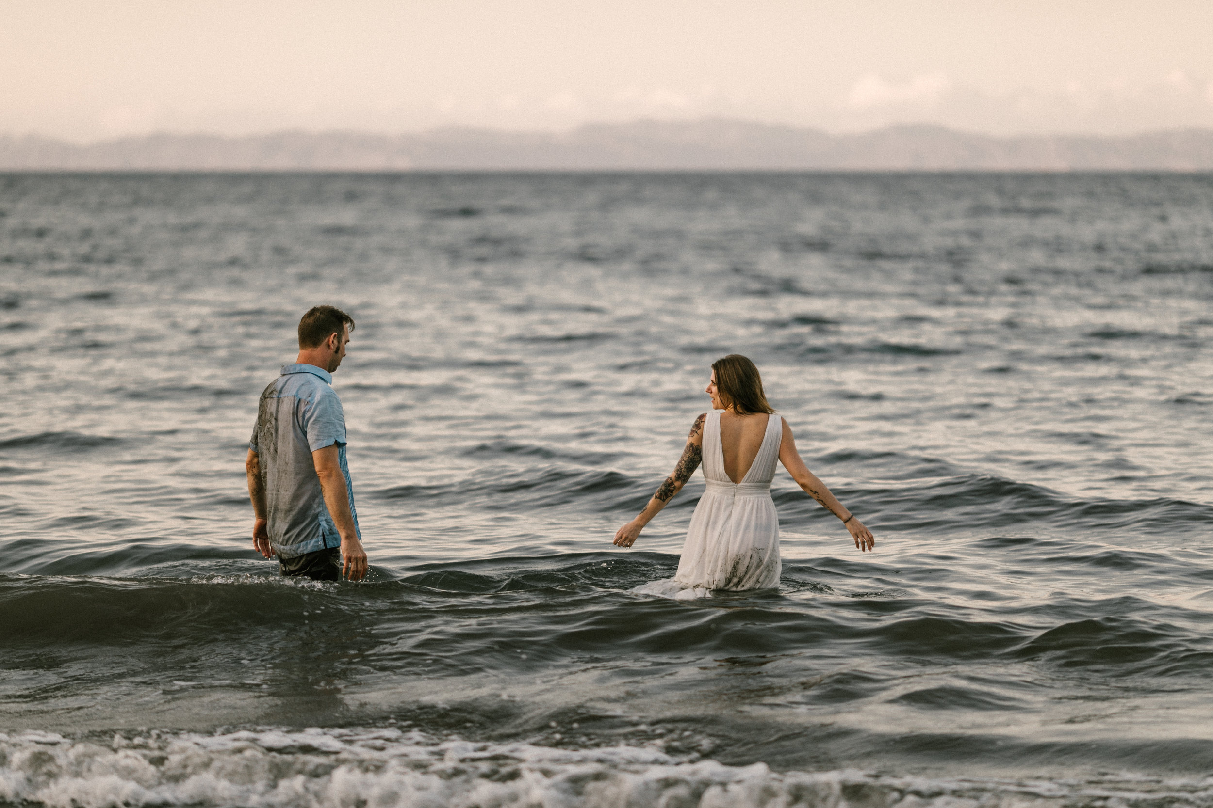 destination wedding and elopement traveling photographer photography Hawaii California