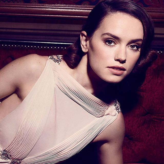 Our WCW is the talented Daisy Ridley! Who is going to go see her in Star Wars The Last Jedi! #starwars #daisyridley #starwarsfan #rey