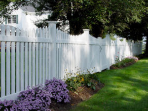 Classic picket scalloped fence by Can Supply