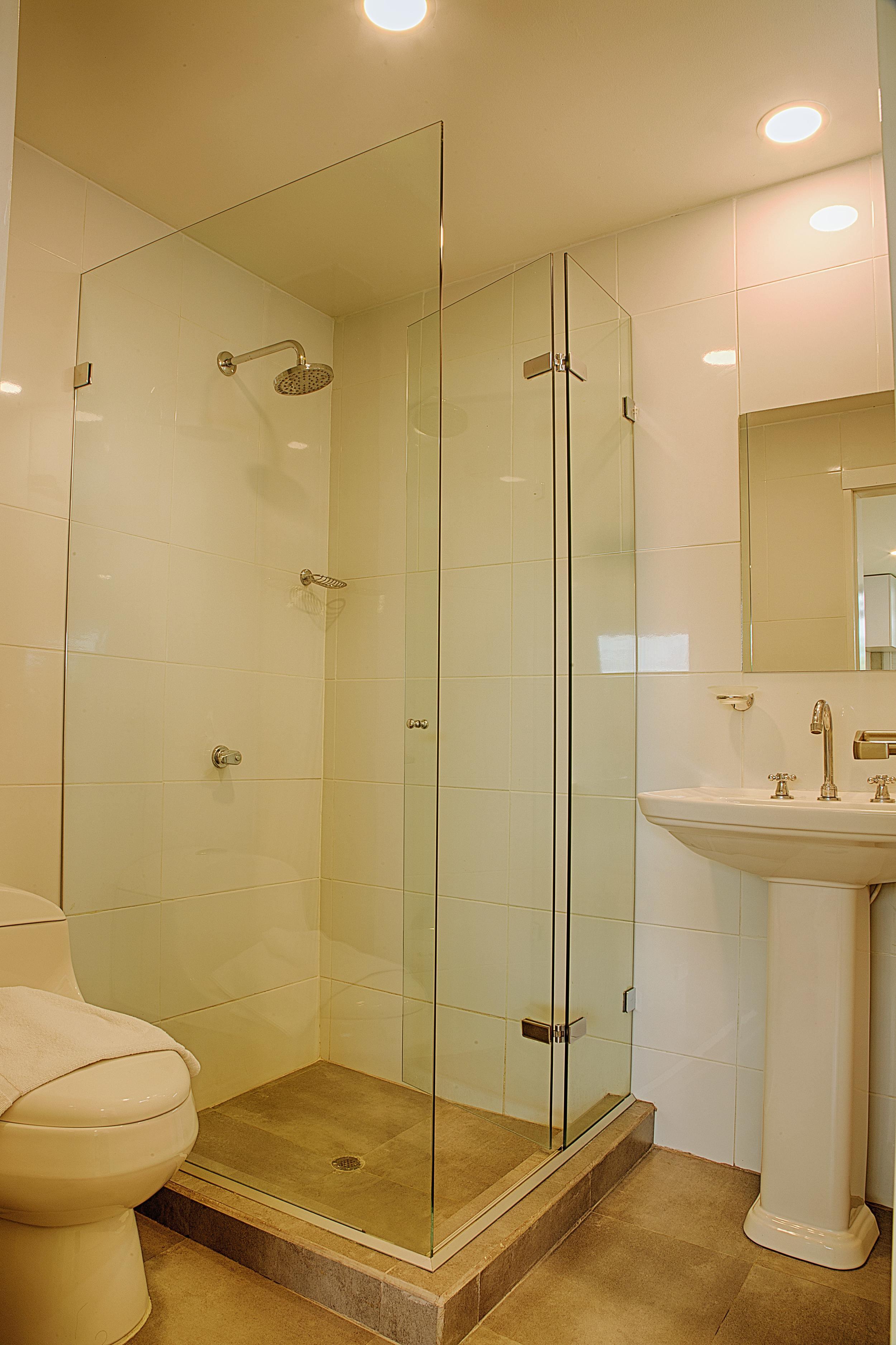 203-Bathroom.jpg