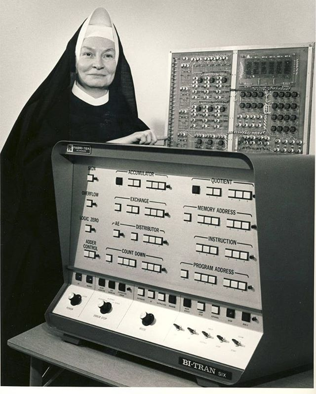 Mary Kenneth Keller (1913-1985) was the first woman in the U.S. to earn a Ph.D. in computer science. Keller played a significant role in the development of the BASIC programming language at Dartmouth College, an all-men's institution at the time. BASIC revolutionized computer programming by opening the door for anyone, not only mathematicians and scientists, to learn to write custom software. A strong advocate for women in computer science, Keller encouraged working mothers to bring their babies with them to class as necessary. She was among the first to predict the future importance of computers and the information explosion.💻✨
