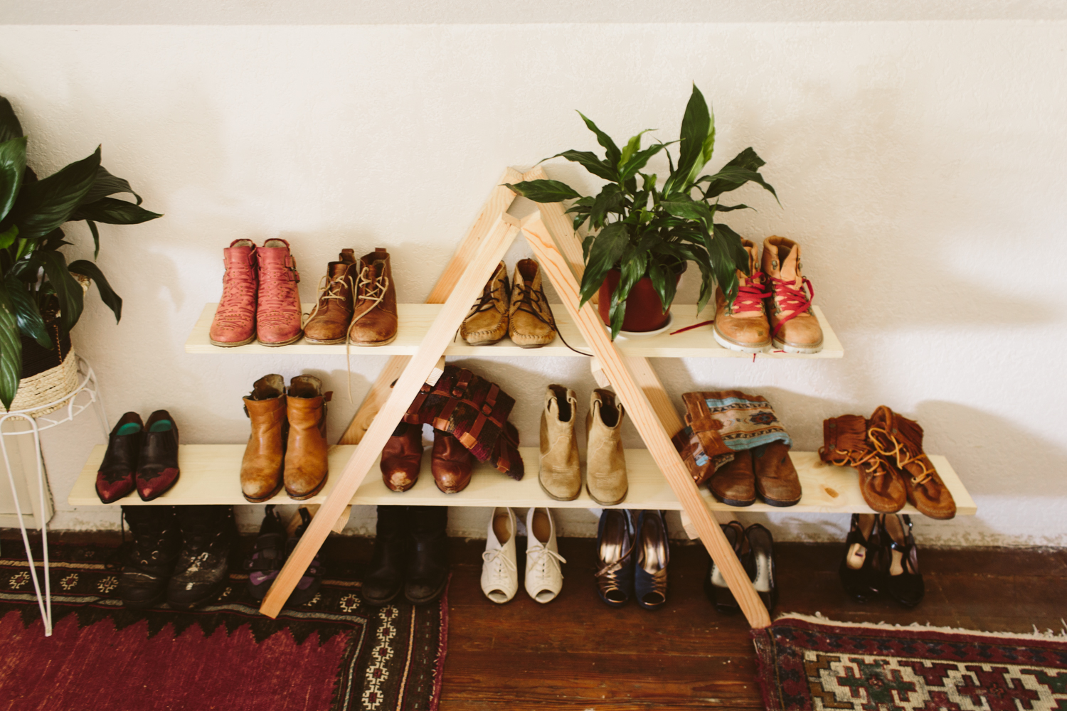 DIY triangle ladder shelf