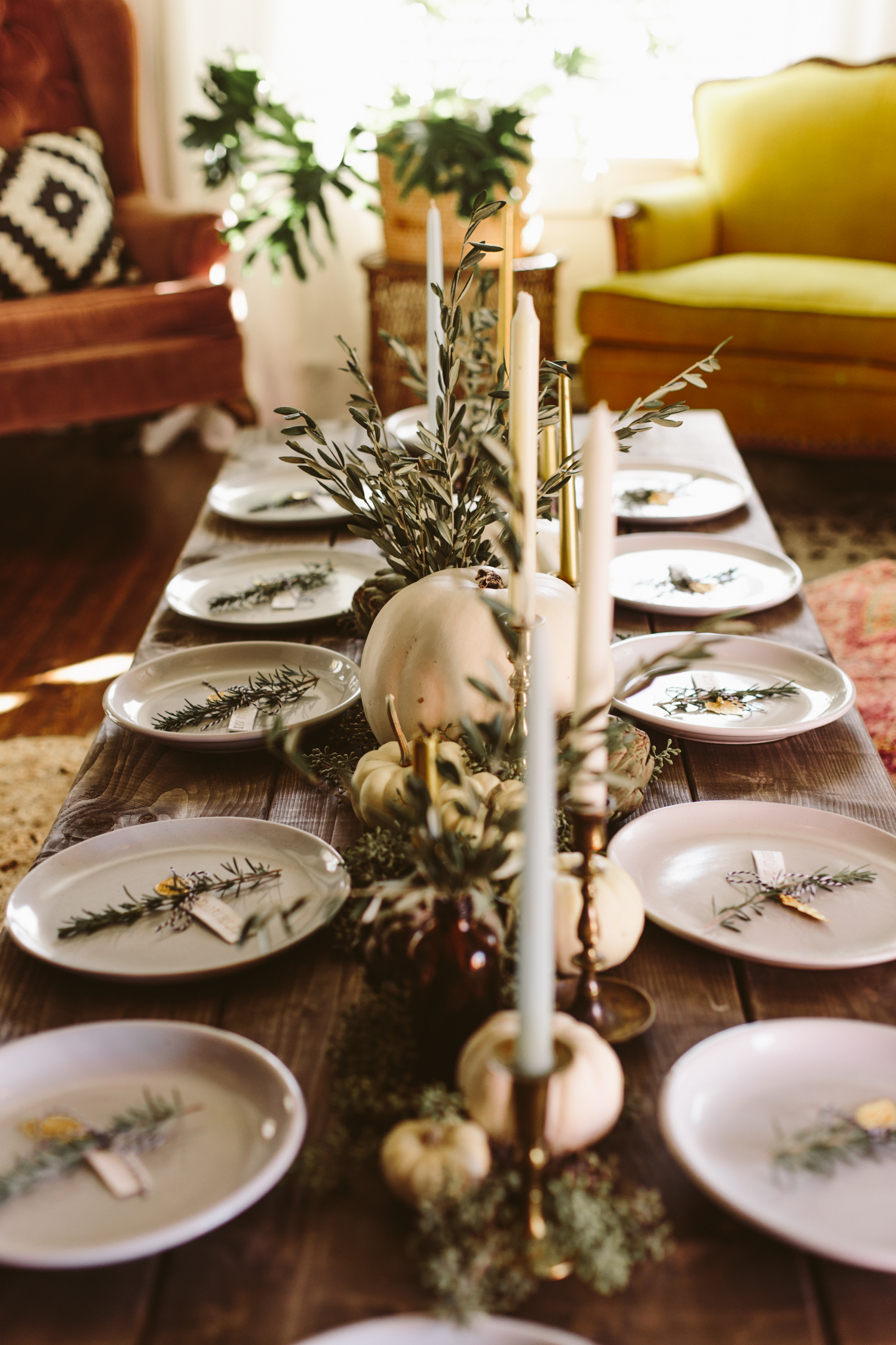Refined Thanksgiving Tablescape