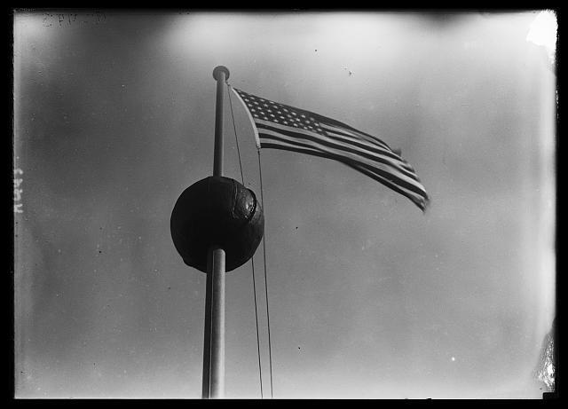 Photo : Harris & Ewing (1915-1923)