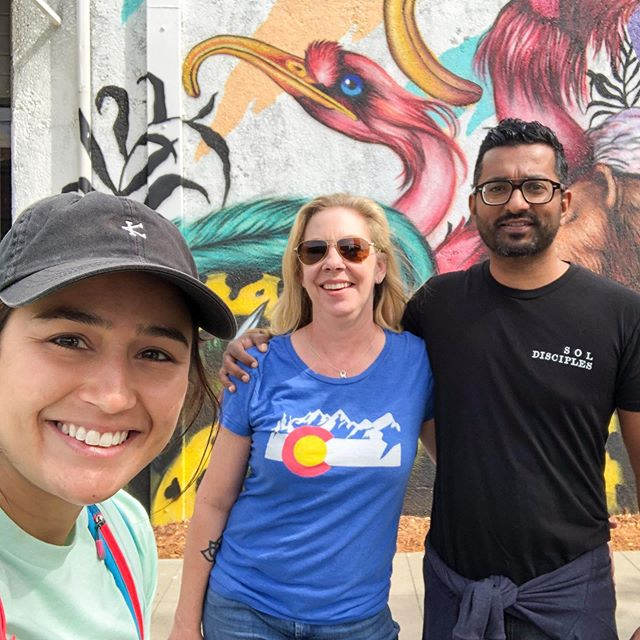 One of the best parts of this job is reconnecting with super cool guests from previous years. Thanks for joining me, Tarin and Biju! • • [Mural by @mateusbailon] • • • #sactourcompany #coollikesacramento #sacramento #sactown #visitsac #visitsacramento #visitcalifornia #runners #downtownsac #streetsac #streetartsacramento #sacramentoart #wideopenwalls #wideopenwalls916 #wow916 #runningtours #walkingtours