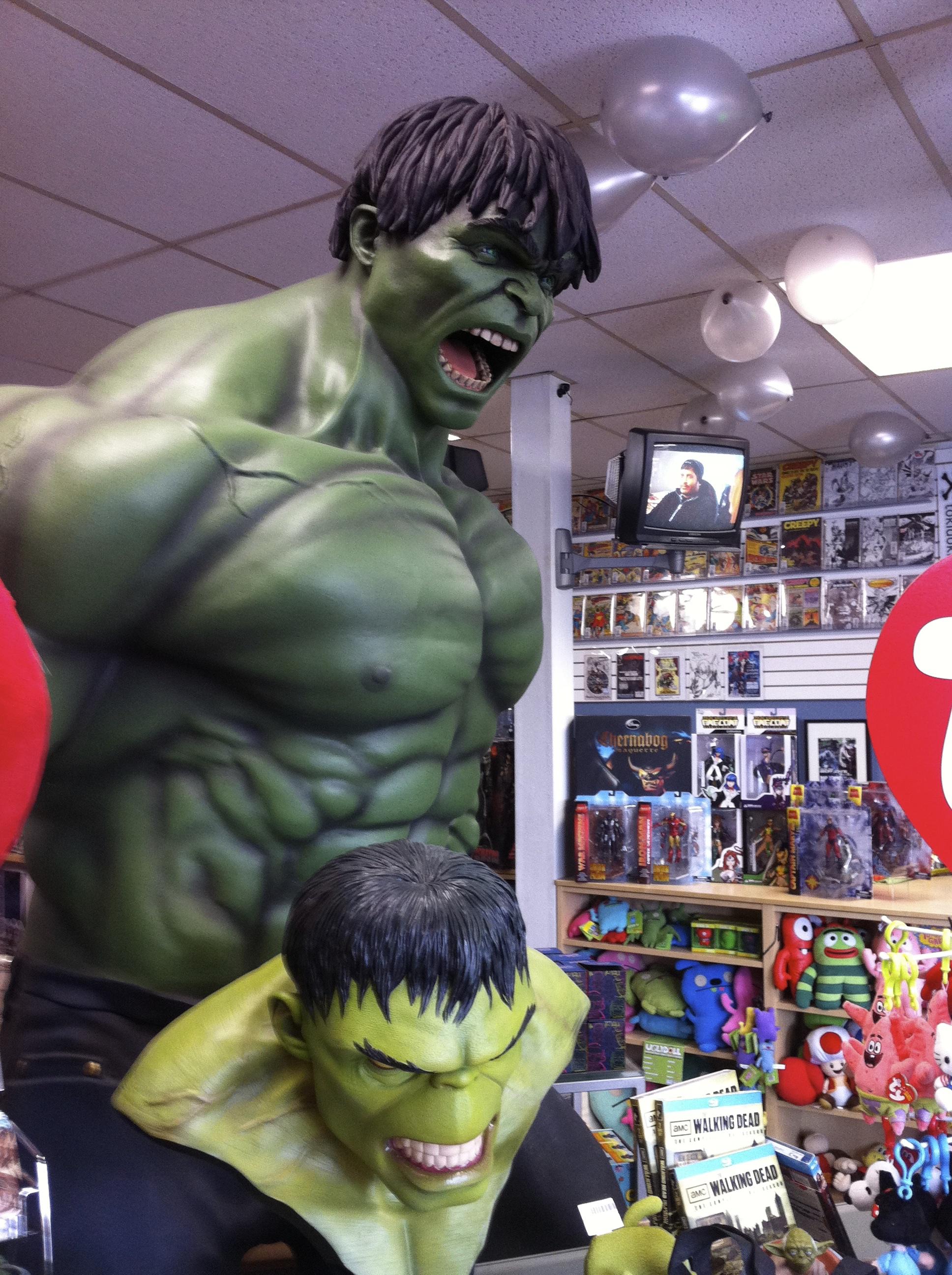 Double hulk