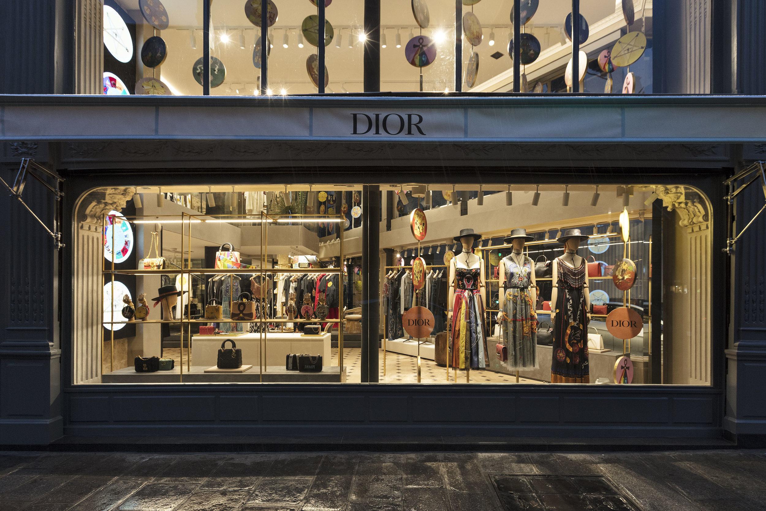 Vitrine da Dior, Paris/FR - 100% inspirada nos Arquétipos do  Tarot .
