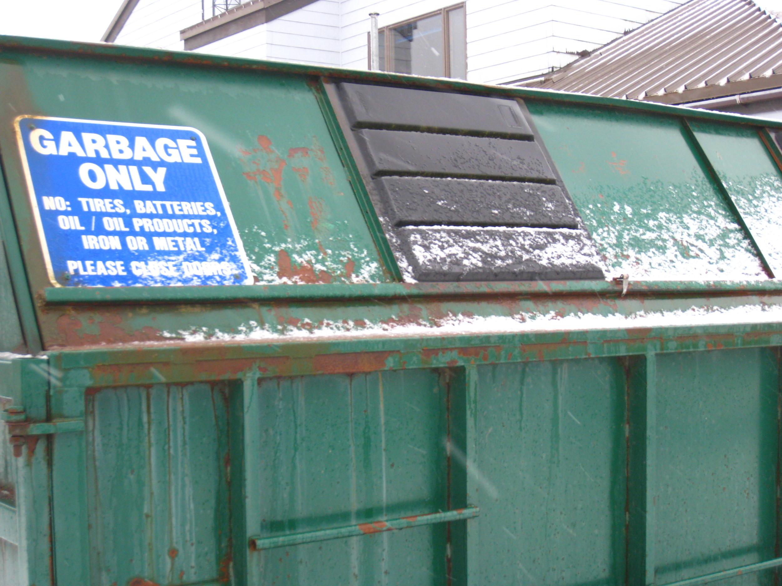 Seward_trash signs.jpg