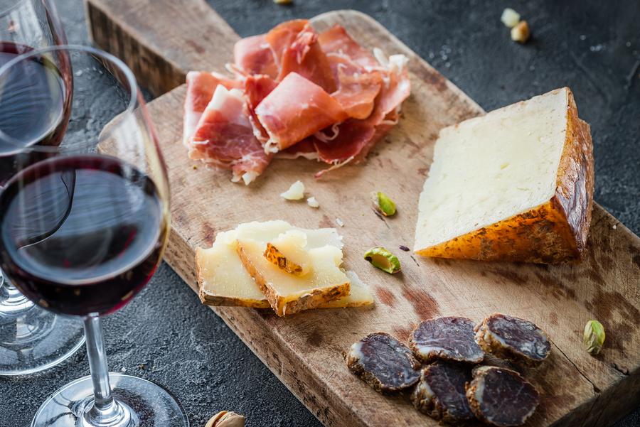 bigstock-Platter-With-Spanish-Ham-Jamon-185310643.jpg