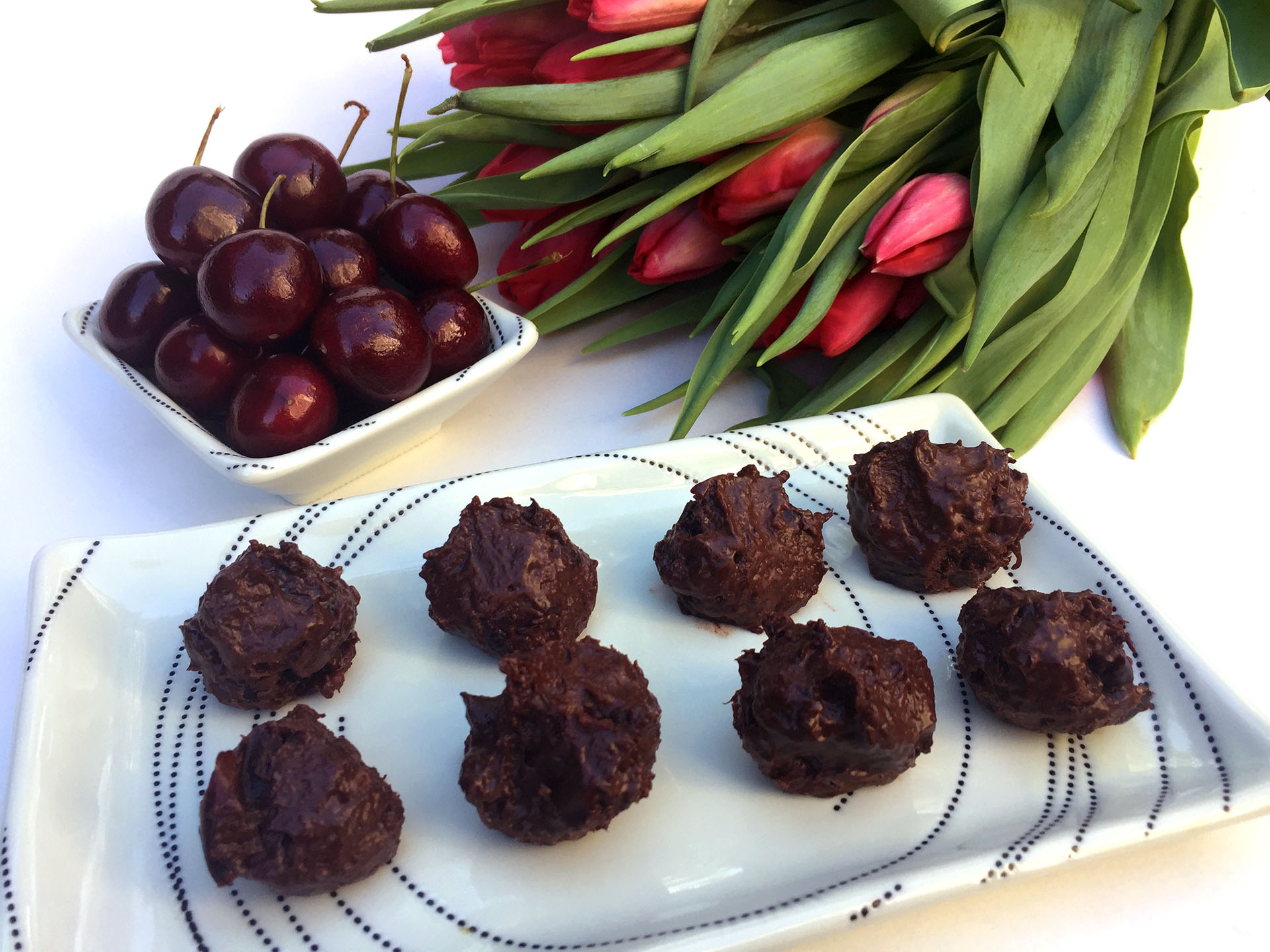 dark-chocolate-cherry-balls.JPG