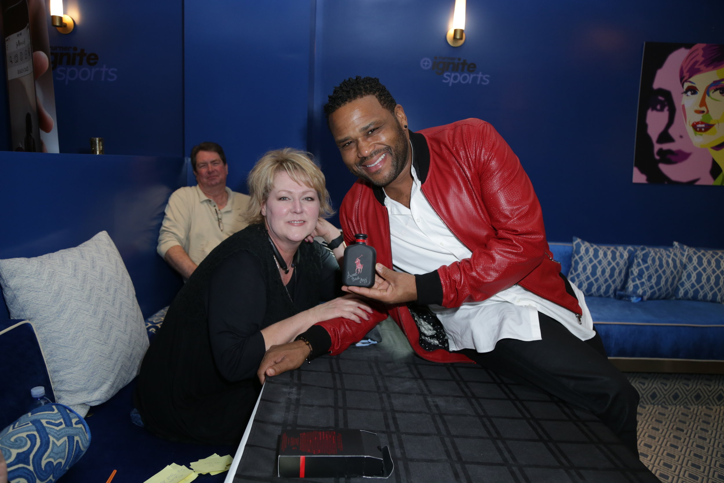 Anthony Anderson at Turner Ignite Sports Luxury Lounge in Houston