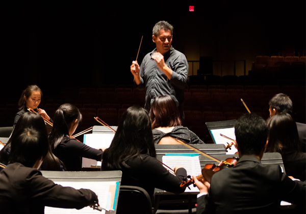 VAM Symphony Orchestra - Jonathan Crow violinIan Parker conductor