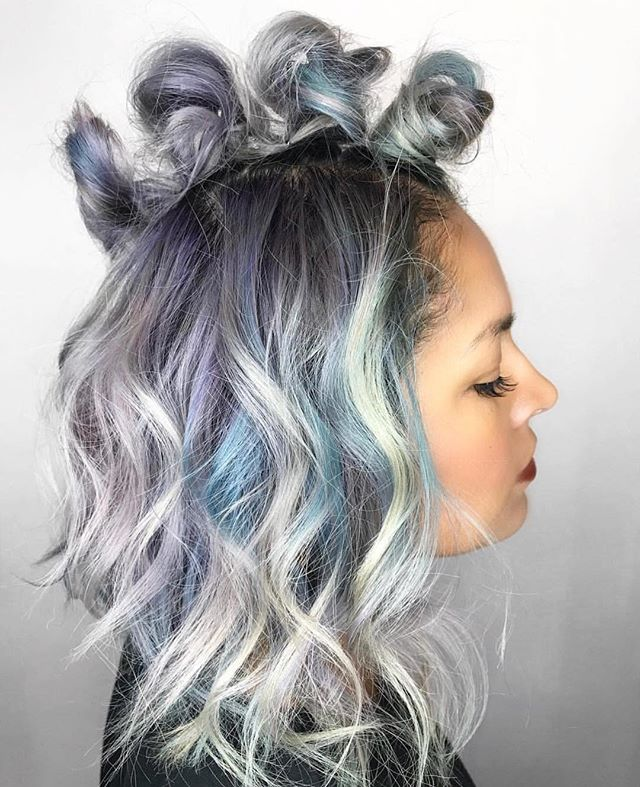 Icy Top Knots by @candicemarielv ❄️