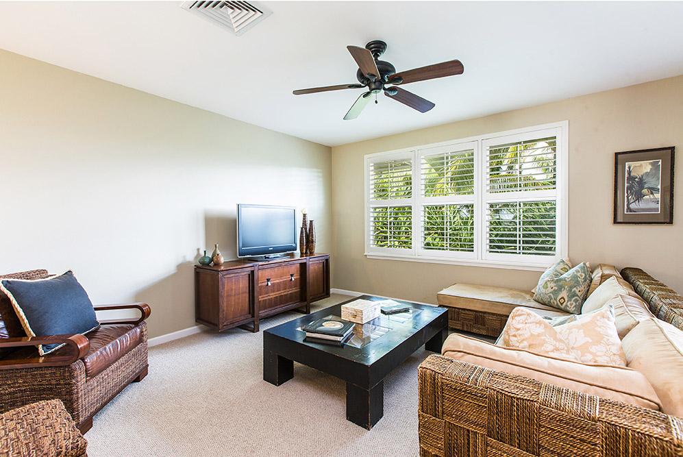 Nihilani-Princeville-HI-96722-print-005-10-Nihilani-Livingroom-4200x2809-300dpi.jpg