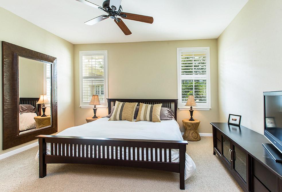 Nihilani-Princeville-HI-96722-print-009-13-Nihilani-Master-Bedroom-4200x2850-300dpi.jpg