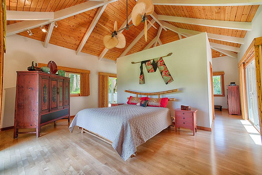 14_Master-Bedroom.jpg