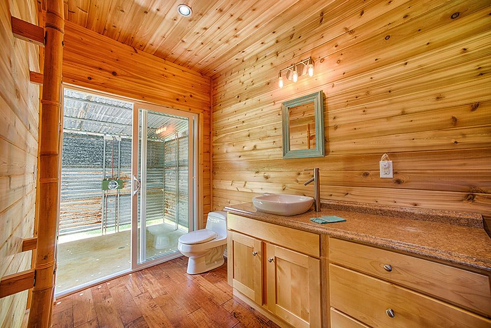 24_Cottage-Bath.jpg