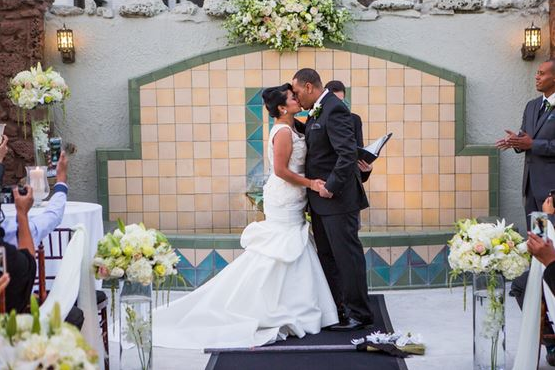 orange county wedding event planner kissing