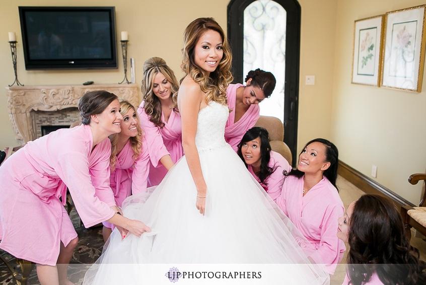 orange county wedding event planner bride with bridesmaids
