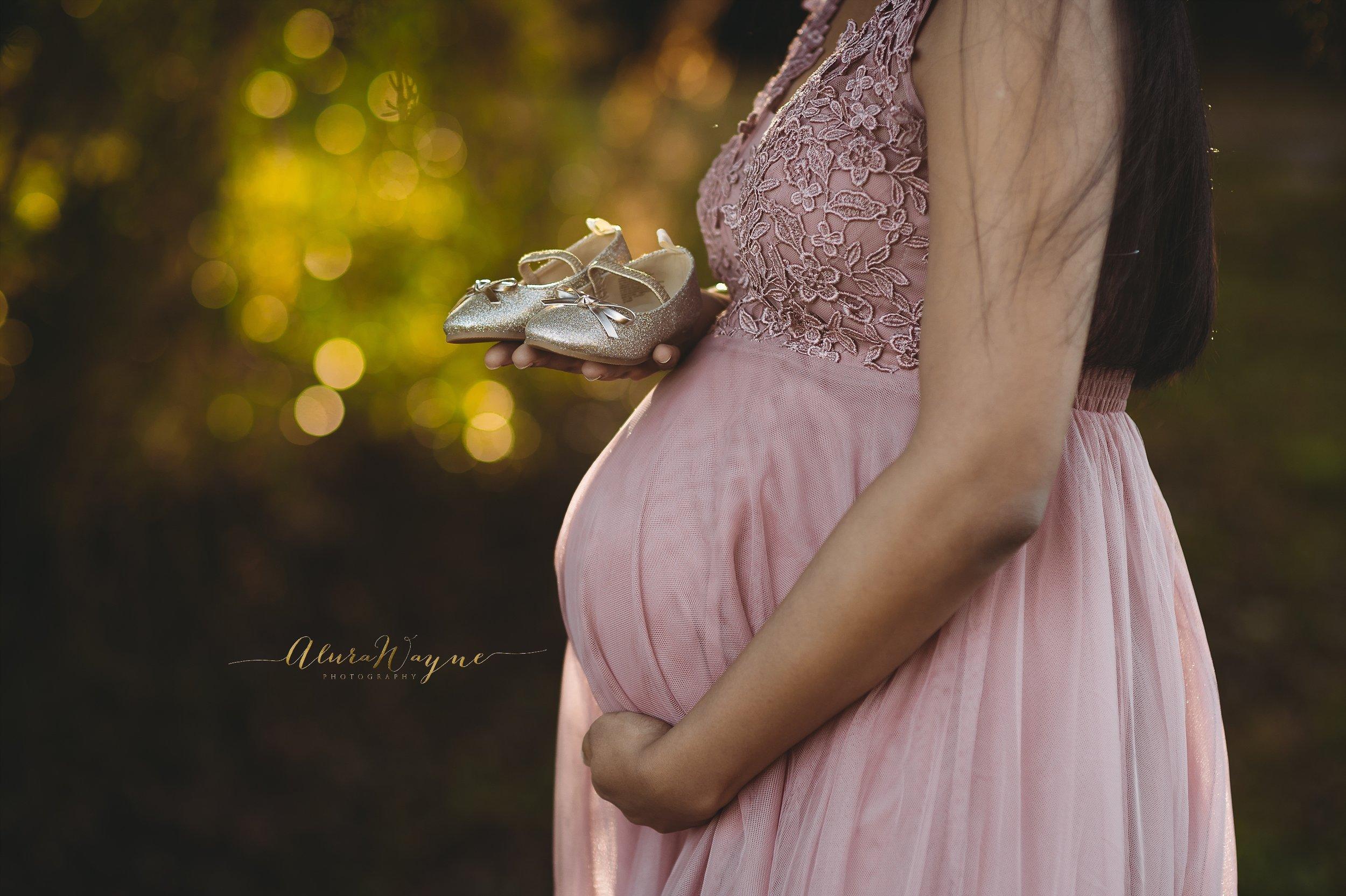 Nashville Maternity Photographer | AluraWayne Photography
