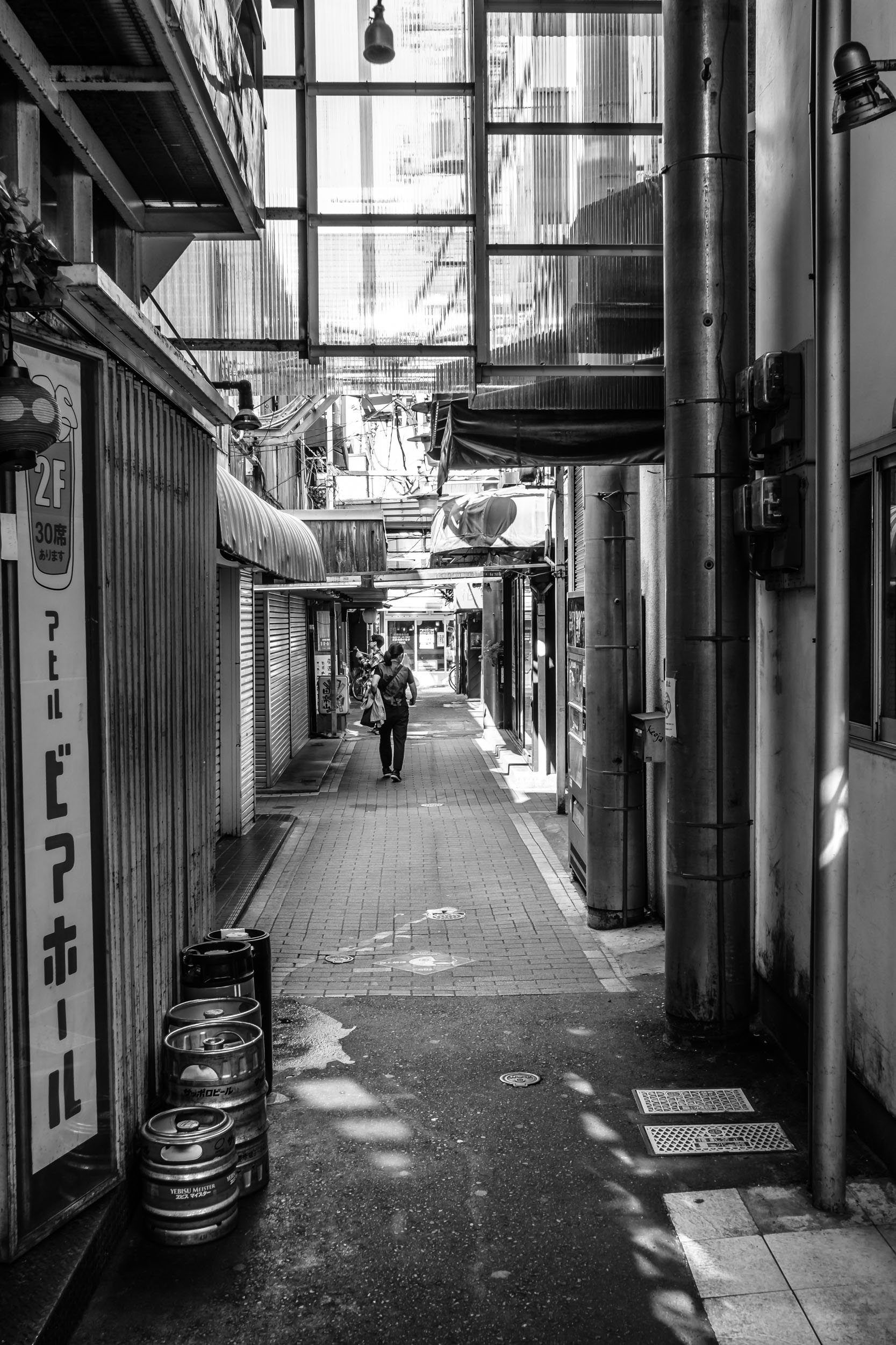 Harmonica alley in the morning - no one there