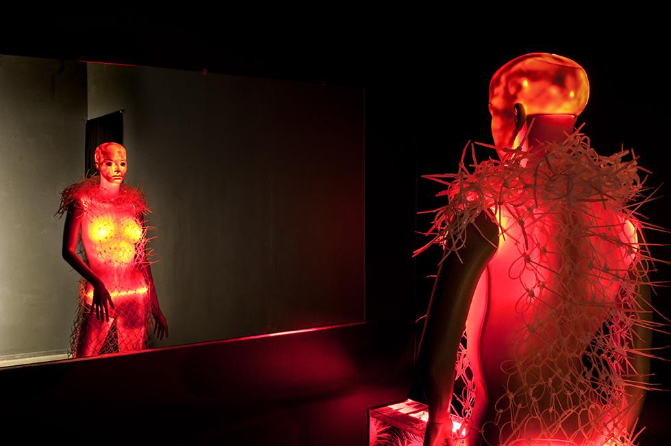 Echo Echo , 2012    KINGS Artist-Run , Melbourne, VIC, Australia  installation view